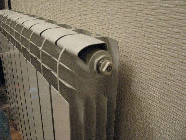Как спустить воздух из батареи: удаление воздушной пробки с системы отопления, как стравить, выпустить воздух, как избавиться от воздуха в радиаторе