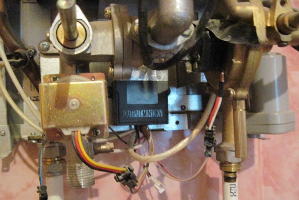Что делать, если гаснет запальник газовой колонки?