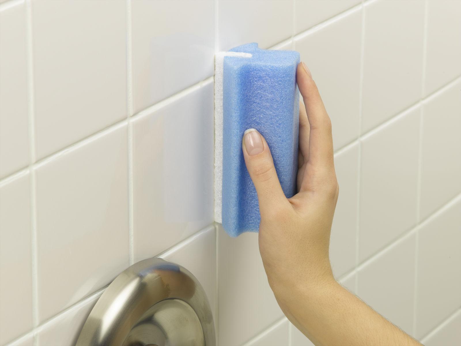 6 способов освежить ремонт ванной, не меняя плитку