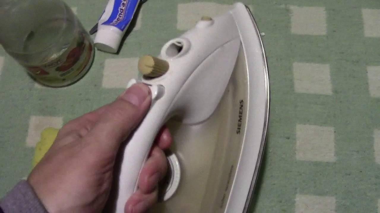 Как очистить керамическую подошву утюга