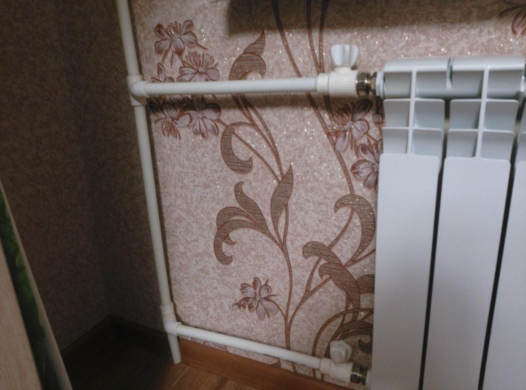 Почему радиатор отопления сверху горячий, снизу холодный