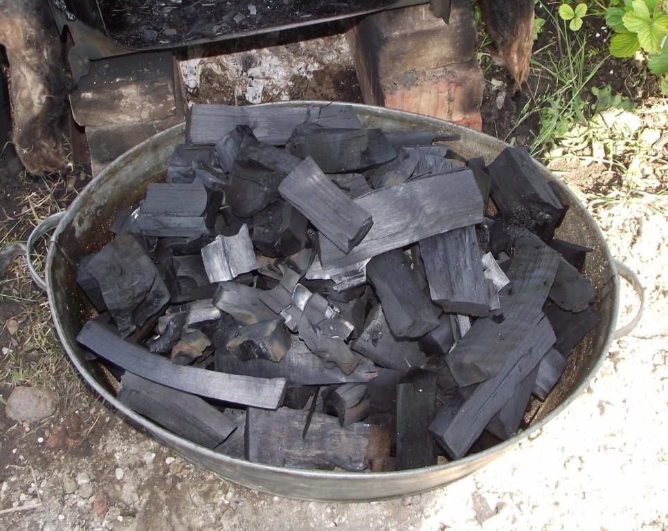 Как сделать древесный уголь своими руками в домашних условиях, технология производства древесного угля