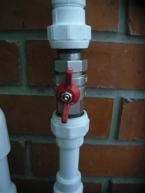 Кран на пластиковую трубу: установка и соединение фитингов